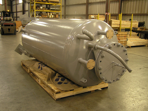 Pressure vessel or process feed tank